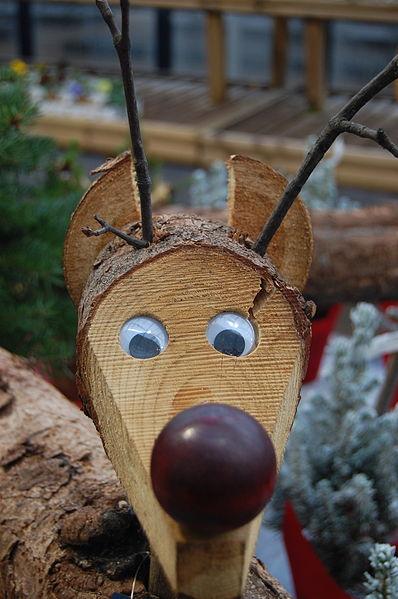 File:Melbicks Christmas display 14 - Wooden reindeer.JPG ...