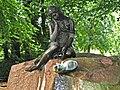 Milchmädchen-Brunnen im Schlosspark Glienicke - panoramio.jpg