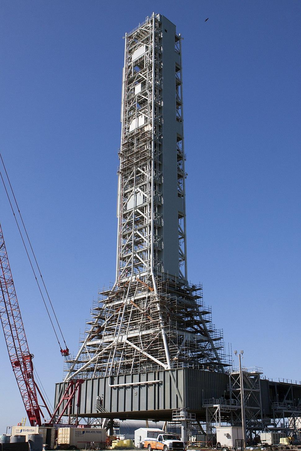 Mobile Launcher under modification for SLS (KSC-2014-4886)