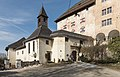 Moosburg Schloss Schlosskapelle und Portal SO-Ansicht 26012016 0355.jpg