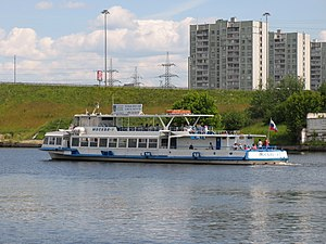 Moskva-1 on Khimki Reservoir 22-jun-2012 03.JPG