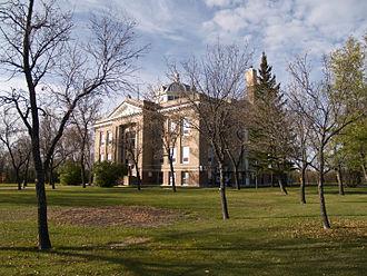 Mountrail County, North Dakota - Image: Mountrail County Courthouse Stanley, North Dakota 10 18 2008