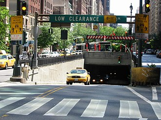 Park Avenue Tunnel (roadway) - Image: Murray Hill Tunnel