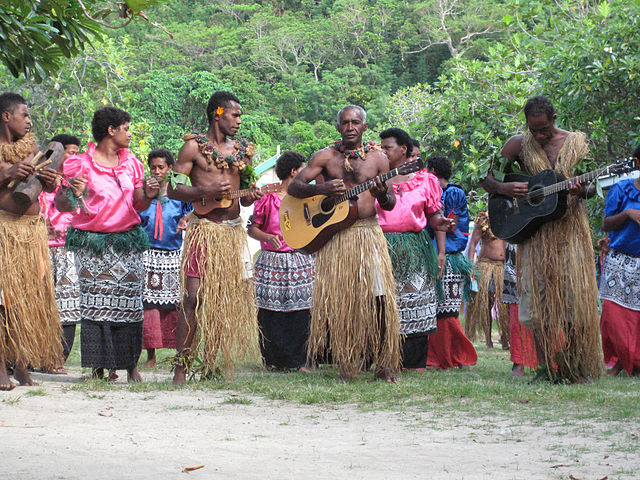 Music Show in Fiji By miguel sanchez (Fiji (15)) [CC-BY-2.0 (https://creativecommons.org/licenses/by/2.0)], via Wikimedia Commons
