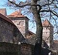Nürnberg Maxtormauer Turm schwarzes K und J.jpg