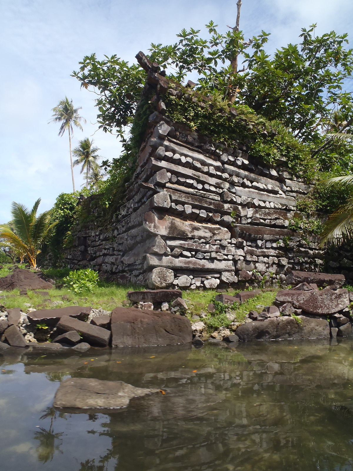 File:Nan Madol megalithic site, Pohnpei (Federated States ...