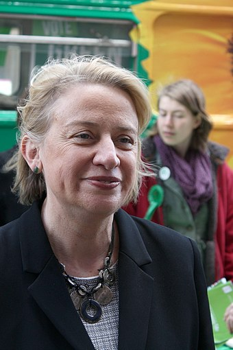 Natalie Bennett campaigning in Cambridge during the general election of 2015. Natalie Bennett-IMG 4086.jpg
