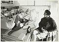 Nierdialysepatiënt J. Groen met echtgenote op de hemodialyse-afedeling in het St. Elisabeths Gasthuis in Schalkwijk.JPG