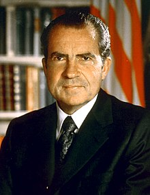 Nixon Official Presidential Portrait 07-08-1971 (cropped).jpg
