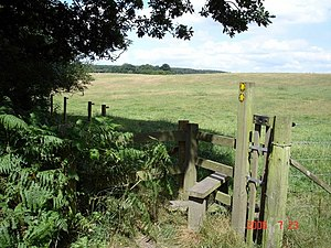 English: Norley - footpaths from Delamere Fore...