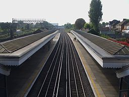 North Wembley stn high southbound