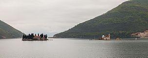 Nuestra Señora de las Rocas y Monasterio de San Jorge, Perast, Bahía de Kotor, Montenegro, 2014-04-19, DD 28.JPG