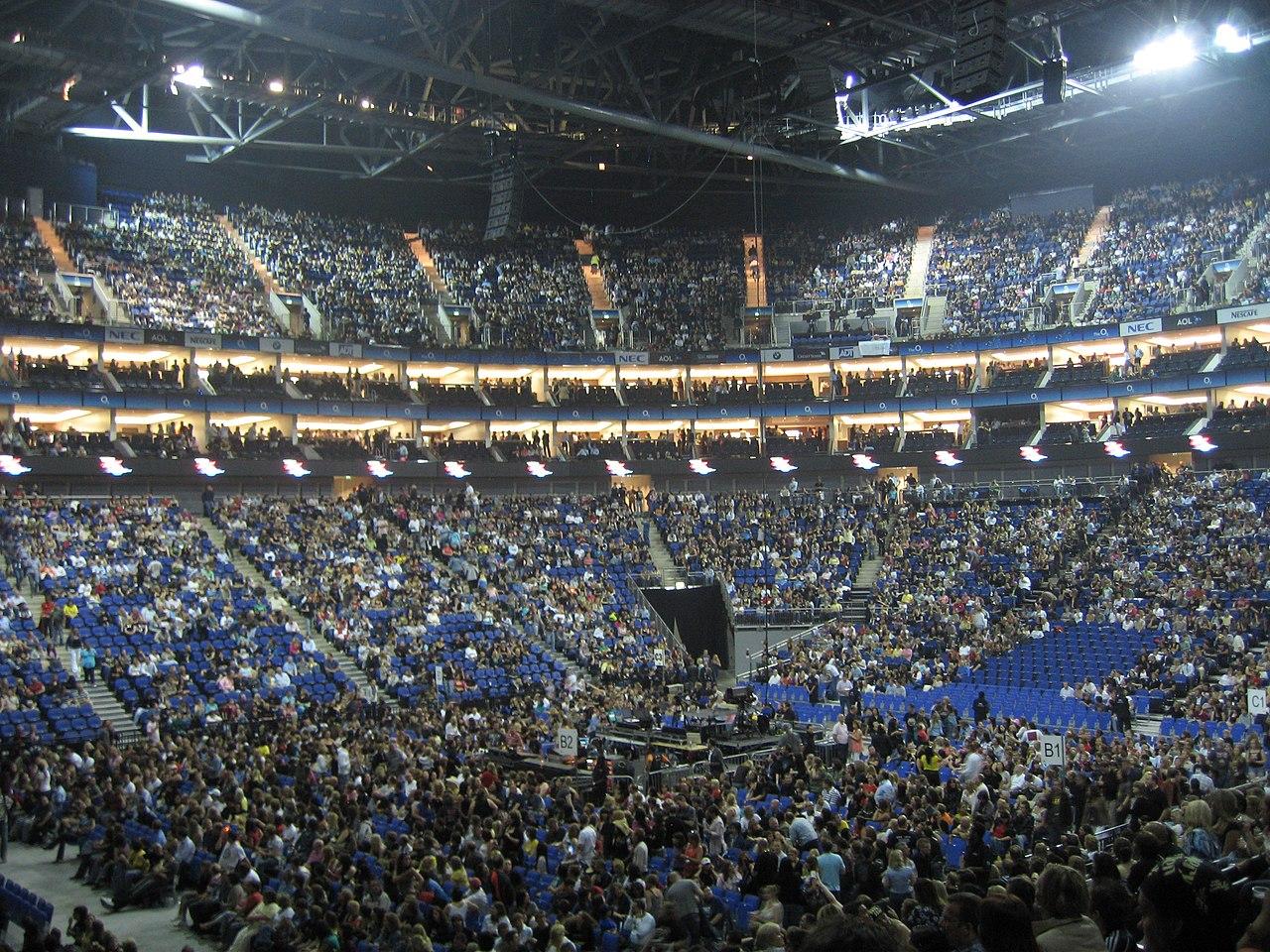 1280px-O2_arena.jpg