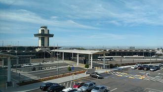 Oakland International Airport - Terminal 1 and ground transportation dropoff loop