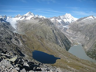 Oberaargletscher - Oberaargletscher (left hand in the background) and Unteraargletscher (on the right). The small blue lake left hand in front is the Triebtenseewli.