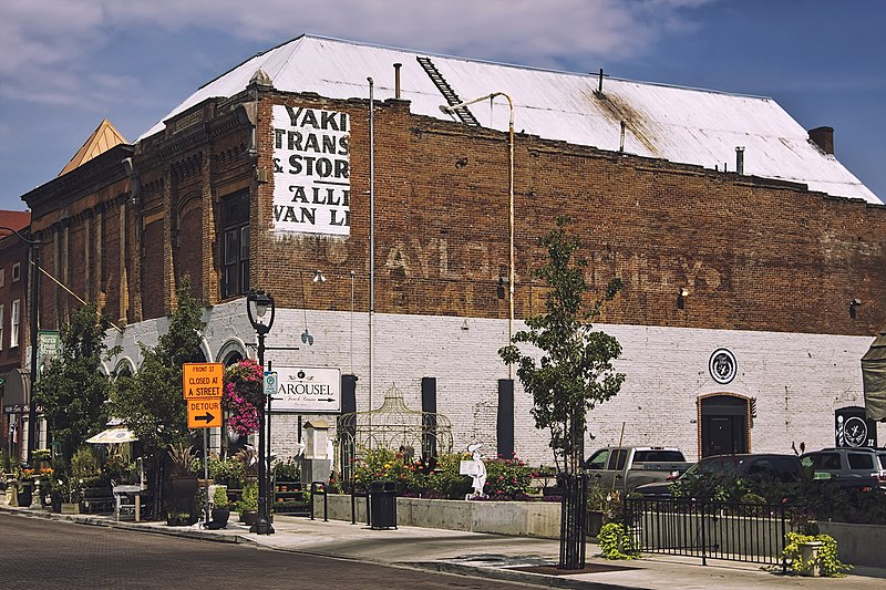 ملف:Old North Yakima Historic District — 005 — Switzer's Opera House.jpg