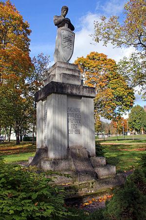 Põltsamaa - Image: Põltsamaa Vabadussõja mälestussammas