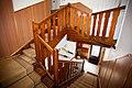 Původní modřínové schodiště.jpg