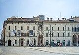 Palazzo Monte di Pietà nuovo Brescia.jpg