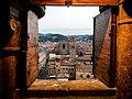 Palazzo Re Enzo e la Basilica di San Petronio visti dal campanile della Cattedrale di San Pietro.jpg