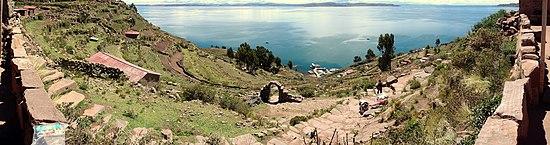 Pogled na jezero Titicaca s otoka Taquile