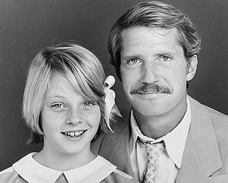 Paper Moon (TV series) - Christopher Connelly and Jodie Foster in a publicity shot