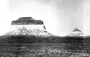 Pawnee Buttes - Image: Pawnee Buttes 1900 USGS