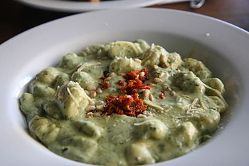 Pesto gnocchi at Sienna Marina, 2007.jpg