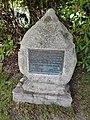 Peter Hinrichs Denkmal in Grafschaft.jpg