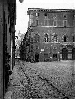 Piazza Scossacavalli Square in Rome demolished in 1937