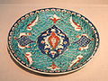 Plate, Iznik, Turkey, c. 1575 AD, stonepaste painted under glaze - Freer Gallery of Art - DSC05417.JPG