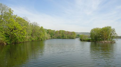 Pompton Lake in Pompton Lakes NJ island