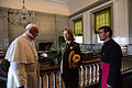 Pope Francis visits Independence Hall (21772623705).jpg