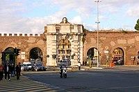 Porta San Giovanni Roma 2.JPG