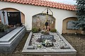 Prachatice, hřbitov, rodiče sv. J. Neumanna (01).jpg
