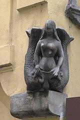 Soška mořské panny na domě Karlova 183/14