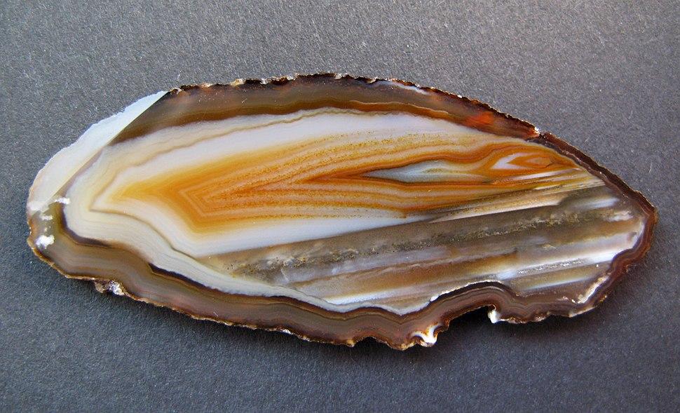 Quartz - Agateplate, redbrown-white