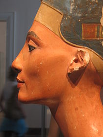 Queen nefertiti1.jpg