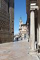 Rúa de acceso á Praza do Pilar coa Basílica do Pilar ao fondo- Zaragoza -Z05.jpg