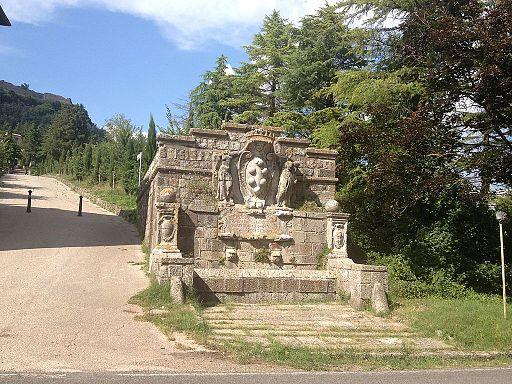 Radicofani | Fontana Medicea | Medici's fountain