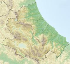 """Mapa konturowa Abruzji, blisko centrum na prawo u góry znajduje się punkt z opisem """"Pescara"""""""