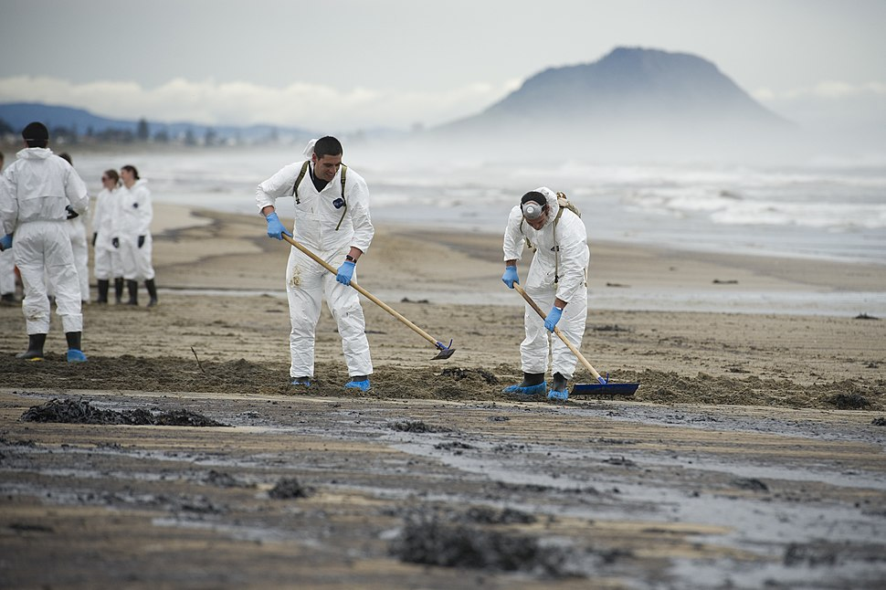 Rena oil spill cleanup