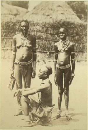 Acholi people - Image: Richard Buchta Acholi family portrait