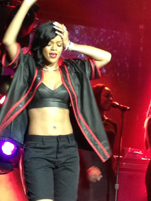 220px-Rihanna-mexico-city