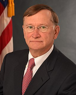 Robert Kadlec American physician and government official