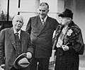 Robert Menzies and parents.jpg