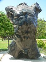 Torso: de Auguste Rodin.