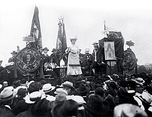 Rosa Luxemburg bibliography - Luxemburg speaking to a crowd in 1907.