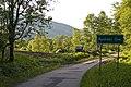 Roztoki-gorne-droga-wjazdowa.jpg