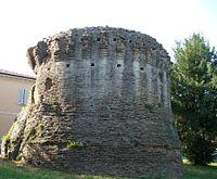 Russi (RA) fortificazione in piazza Baccarini.JPG
